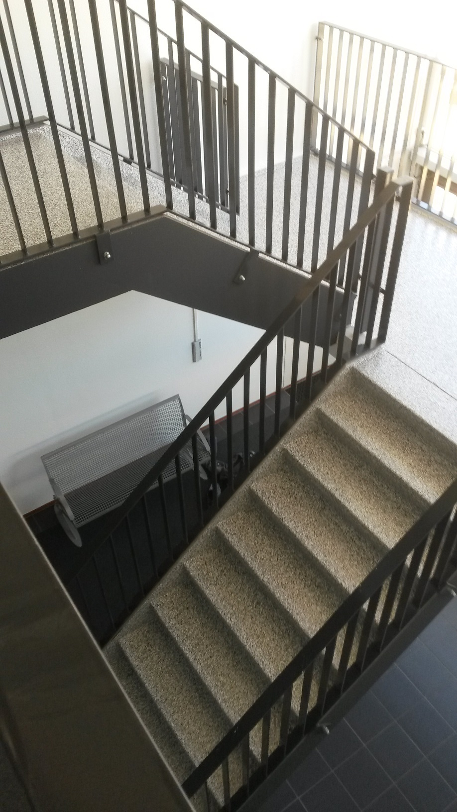 De Vve Flakestrap - trappen - in-exterieur - Appartementeneigenaar.nl